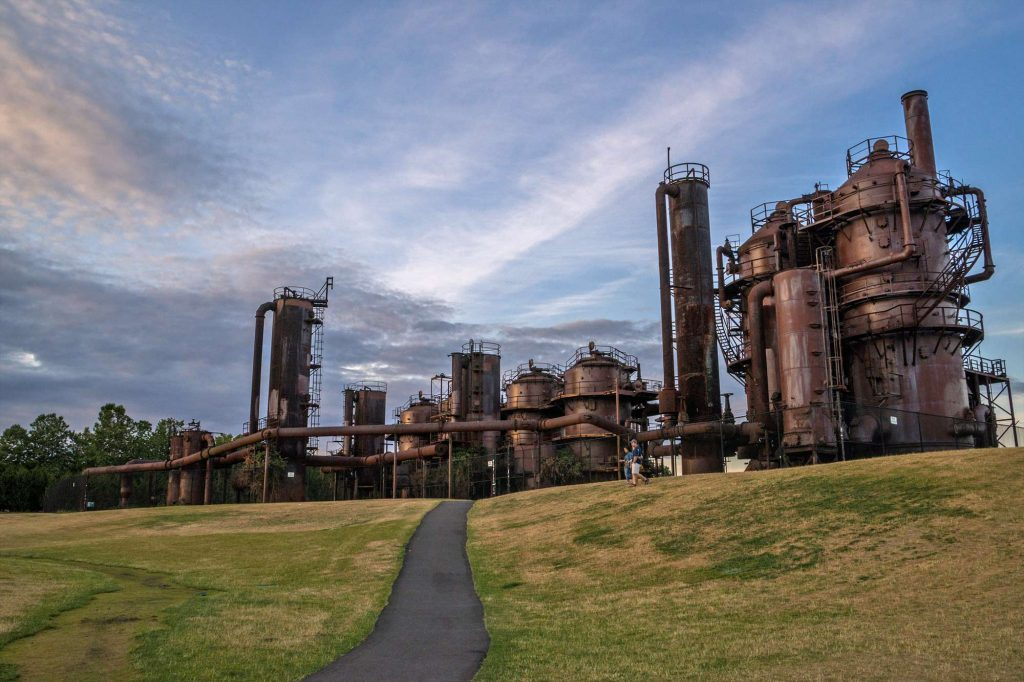 Go for a Picnic in Gasworks Park Best things to do in Seattle