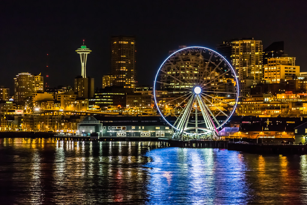 View the City through Seattle Great Wheel