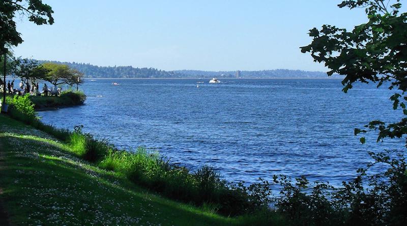 Visit Lake Washington in Seattle