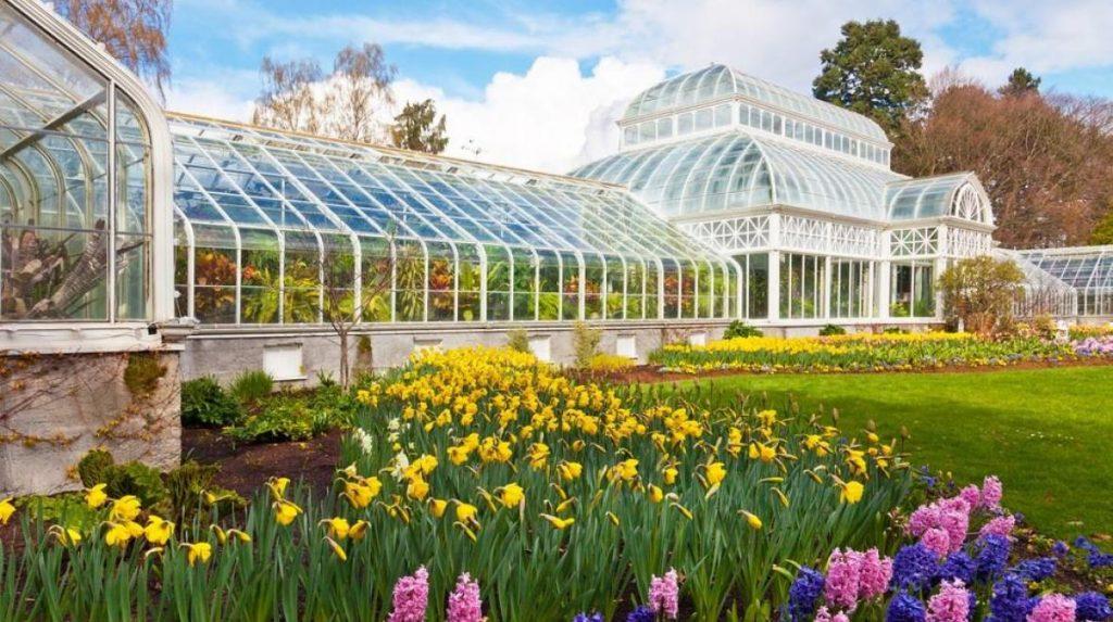 Visit the Volunteer Park Seattle Washington