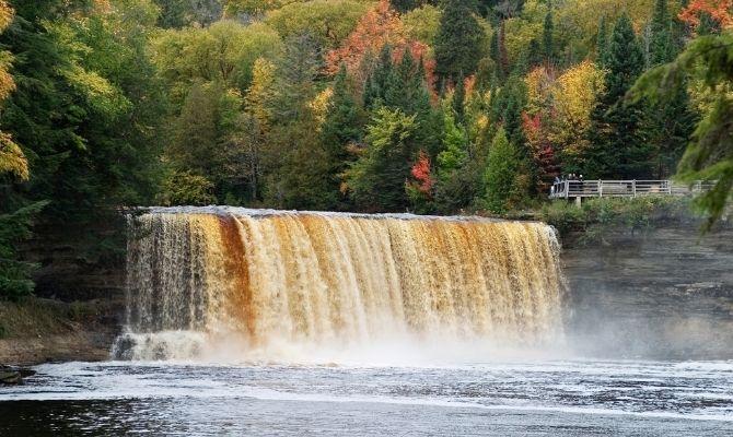 Waterfalls in Michigan Tahquamenon Falls