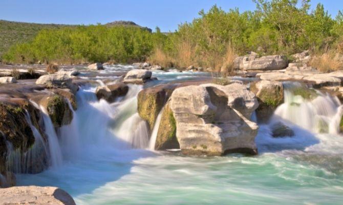 Waterfalls in Texas Dolan Falls, Devils River