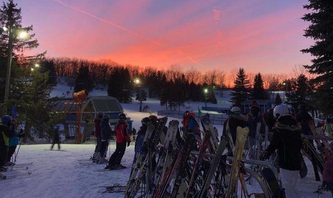 Mount Holly Ski & Snowboard Resort, Holly